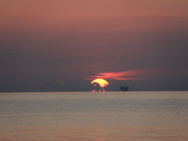 38_2011_sunsetEwingBank